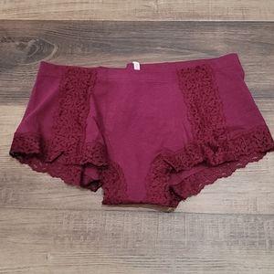 NWT VS Pink Lace Trim Boy Short Panty